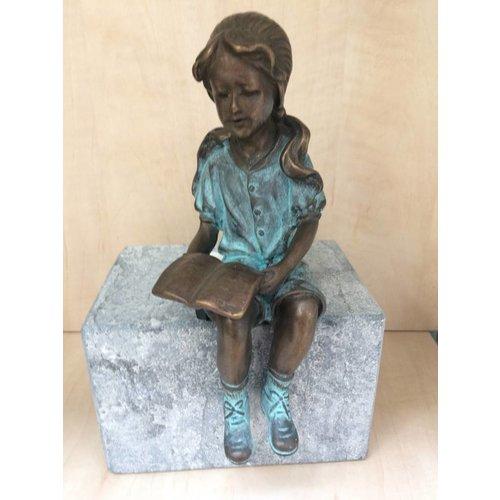 Eliassen Beeld brons meisje met boekje