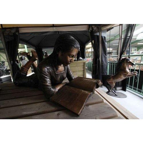 Eliassen Beeld brons liggend meisje met boek