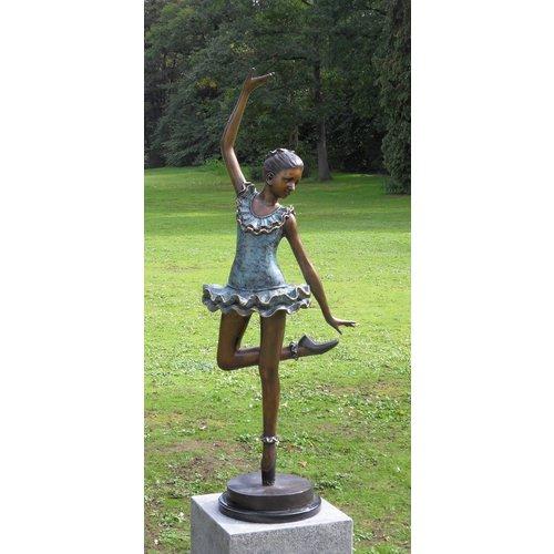 Eliassen Sculpture bronze ballerina 138cm