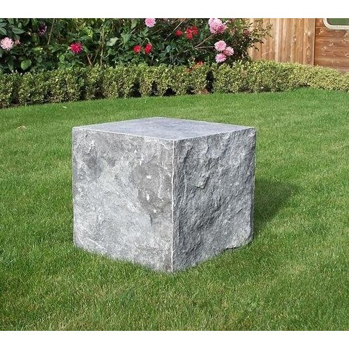 Eliassen Hardstone base cut 40x40x40 cm