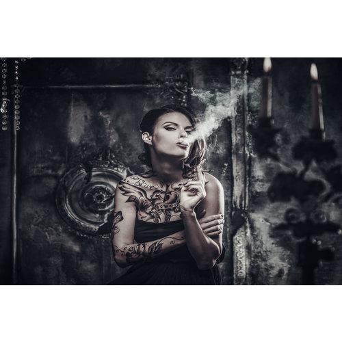 Glasschilderij Vrouw met tatoos 120x80cm