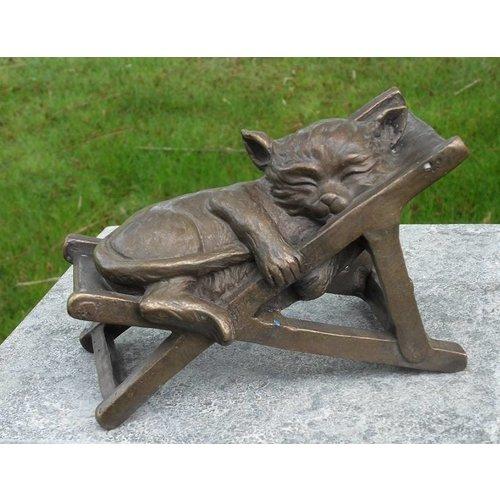Eliassen Beeld brons slapende kat in strandstoel