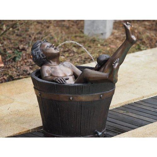 Eliassen Syringe figure bronze boy in tons