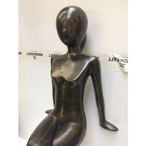 Bronzen dame XXL