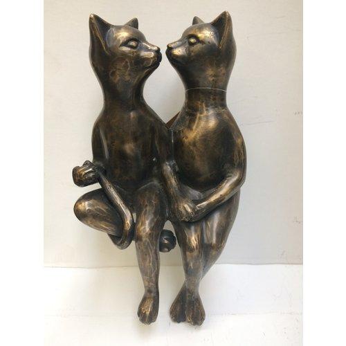 Bronzen beeld kussende poezen