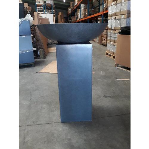 Fountain Water bowl on column dark gray