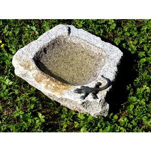 Vogeldrinkschaal graniet groot met hagedis