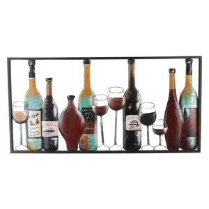 Wanddekorflaschen und Gläser