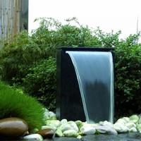 Wasserspiel im Garten