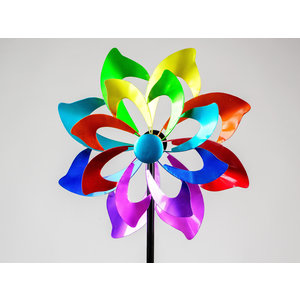 Garden plug rotary flower
