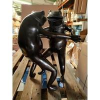 Beeld brons Dansende kikkers  43x60cm hoog