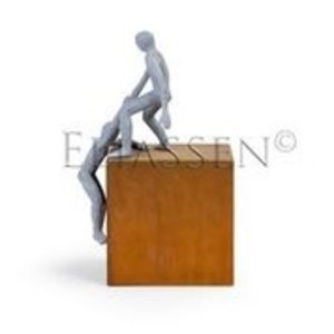 Image helping hand On Corten steel pedestal