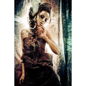 Glasmalerei 110x160 cm. Stehende Frau