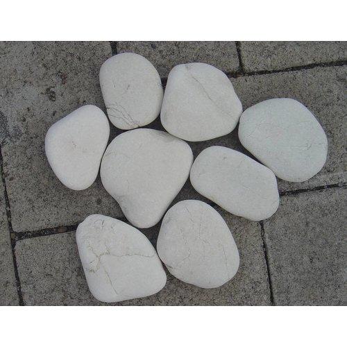 Ornamental boulders flat white 5-8 cm.