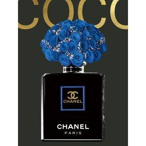 Glasschilderij 60x80 cm. Chanel blue flowers met goudfolie