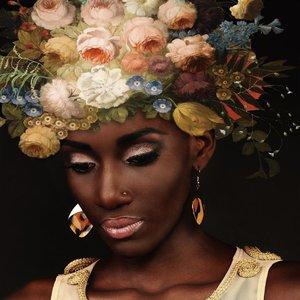 Glasschilderij Pretty woman 80x80cm.