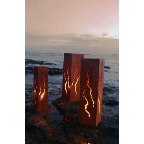 Column iron rust. Cracks 100 cm