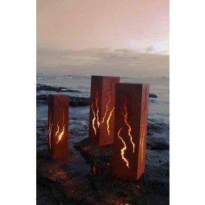 Column iron rust. Cracks 80 cm