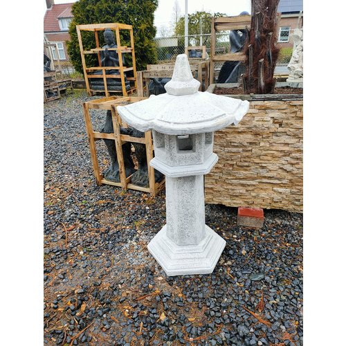 Pagoda lamp straight