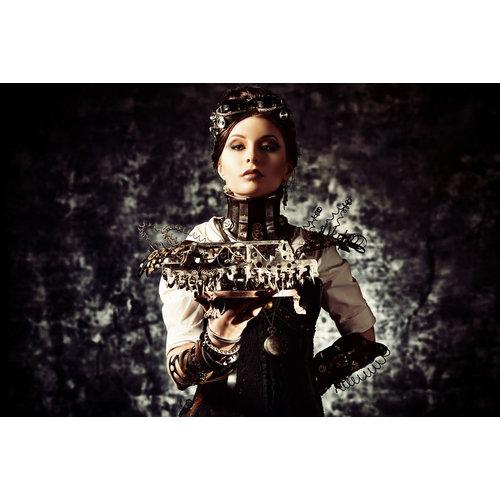 Glasschilderij Metal woman
