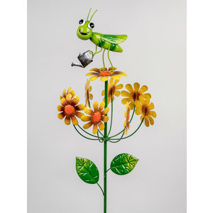Tuinsteker sprinkhaan met draaiende bloemen