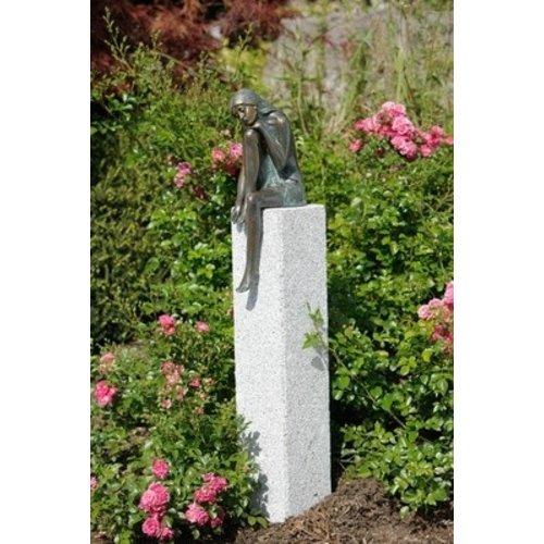Bronzestatue Emmanuelle Mädchen