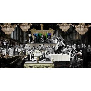 Glasschilderij Beroemdheden in cafe  80x160cm