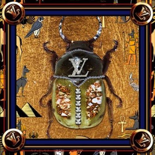 Glasschilderij Chanel kever goud 100x100cm.