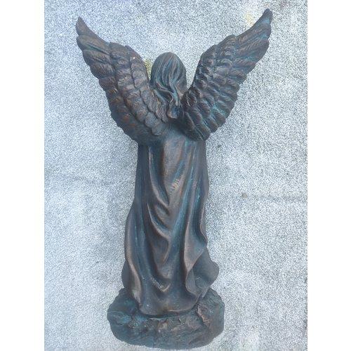 Beeld engel met bloemenkrans 46cm Bronskleur
