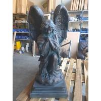 Groot Engel beeld biddend 78cm bronskleur