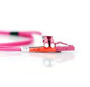 Digitus DIGITUS LWL patchkabel OM4-2 m LC op LC glasvezel kabel - LSZH - Duplex Multimode 50/125µ - 10 GBit/s - Violet