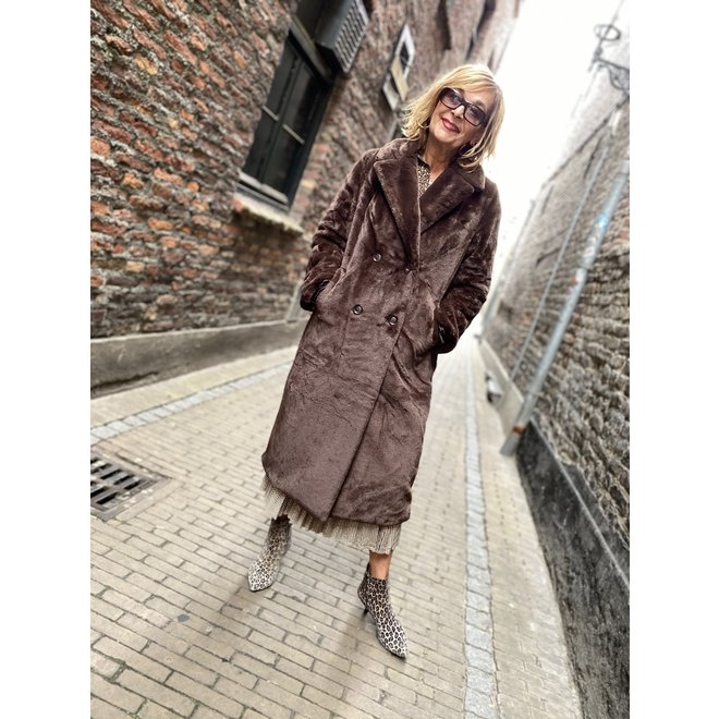 08556-27 COAT LONG FAKE FUR DARK BROWN