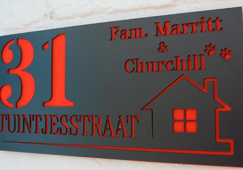 Huisnummer- en naamborden