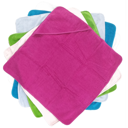Baby badcape met gepersonaliseerde borduring