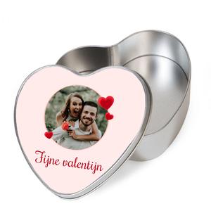 Tinnen doos hartvormig met foto's en illustraties
