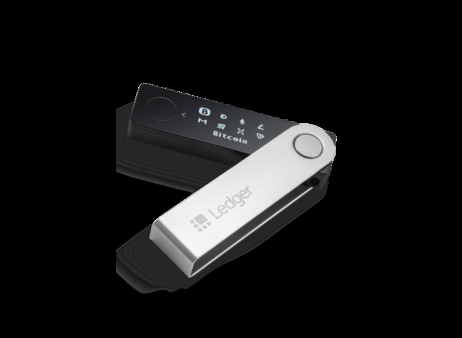 Bewahre deine Krypto sicher, überall und jederzeit. Das Crypto Wallet ist mit Bluetooth ausgestattet und erlaubt es dir über 100 Kryptowährungen gleichzeitig zu speichern und diese über die Ledger Live Mobile App sicher zu verwalten.