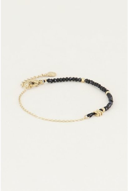 Kralen armband initial P