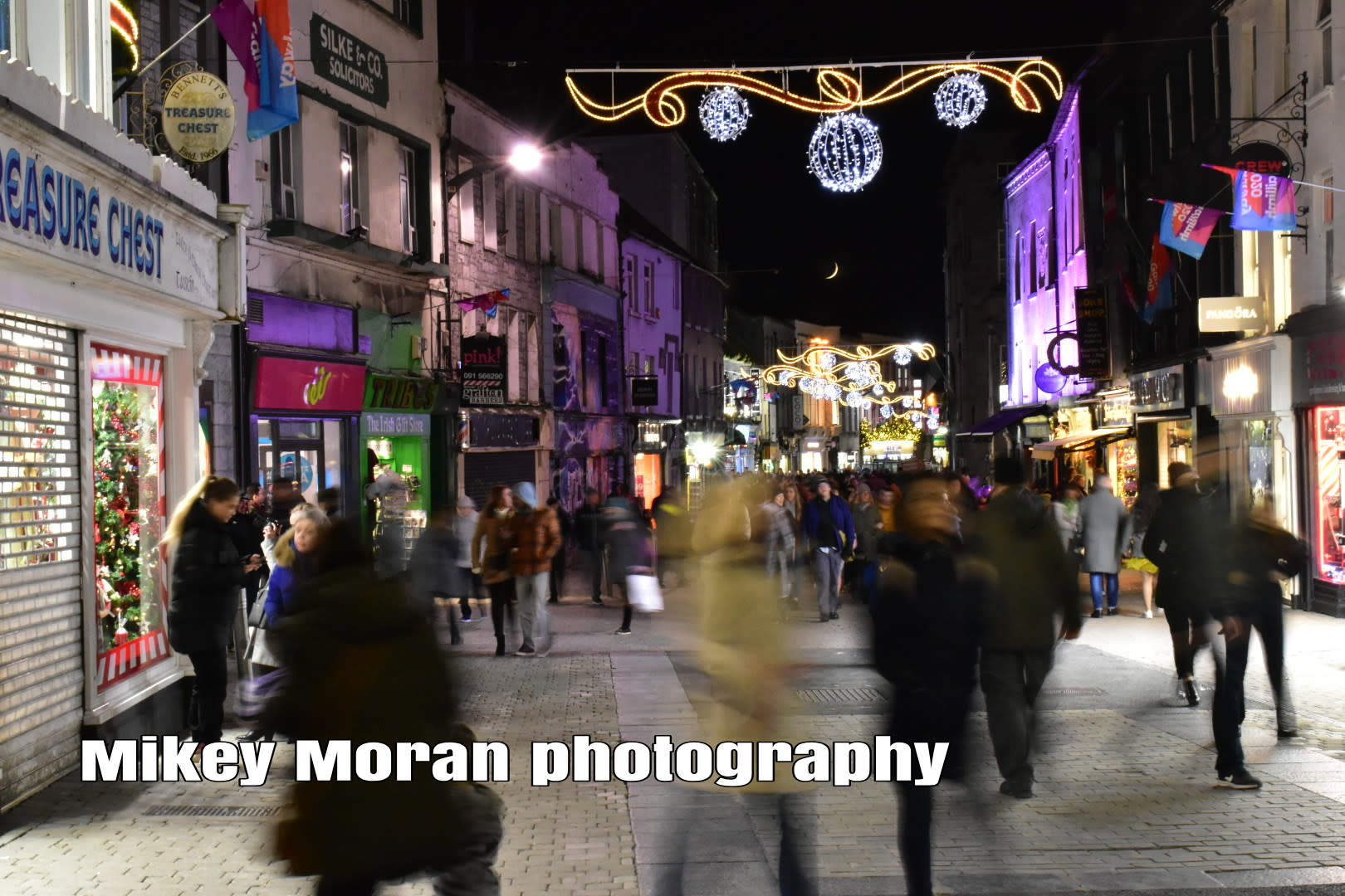 mikey moran photography shop street at night