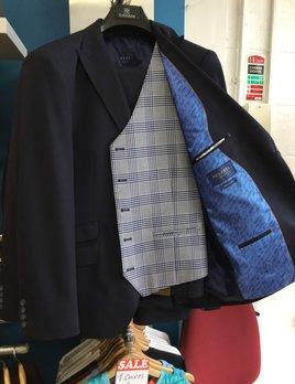 benetti Baker 3piece suit 0098