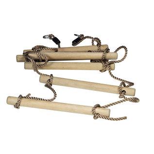 Ladder van houten tussenstukken met touw
