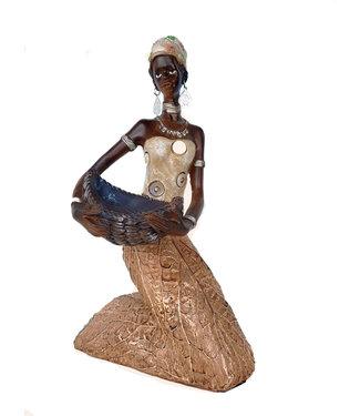 Afrikaanse beeldje vrouw knielend met schaal  - Tabakbladeren - 25cm -  Zacht bruine kledij
