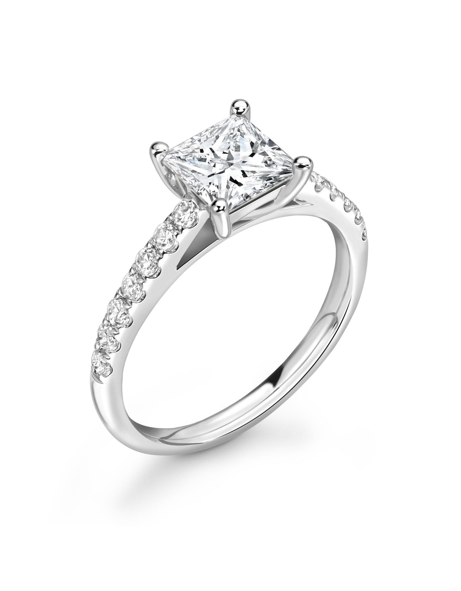 LVN Princesse Verlovingsring Met Zijsteentjes LVNRX3200