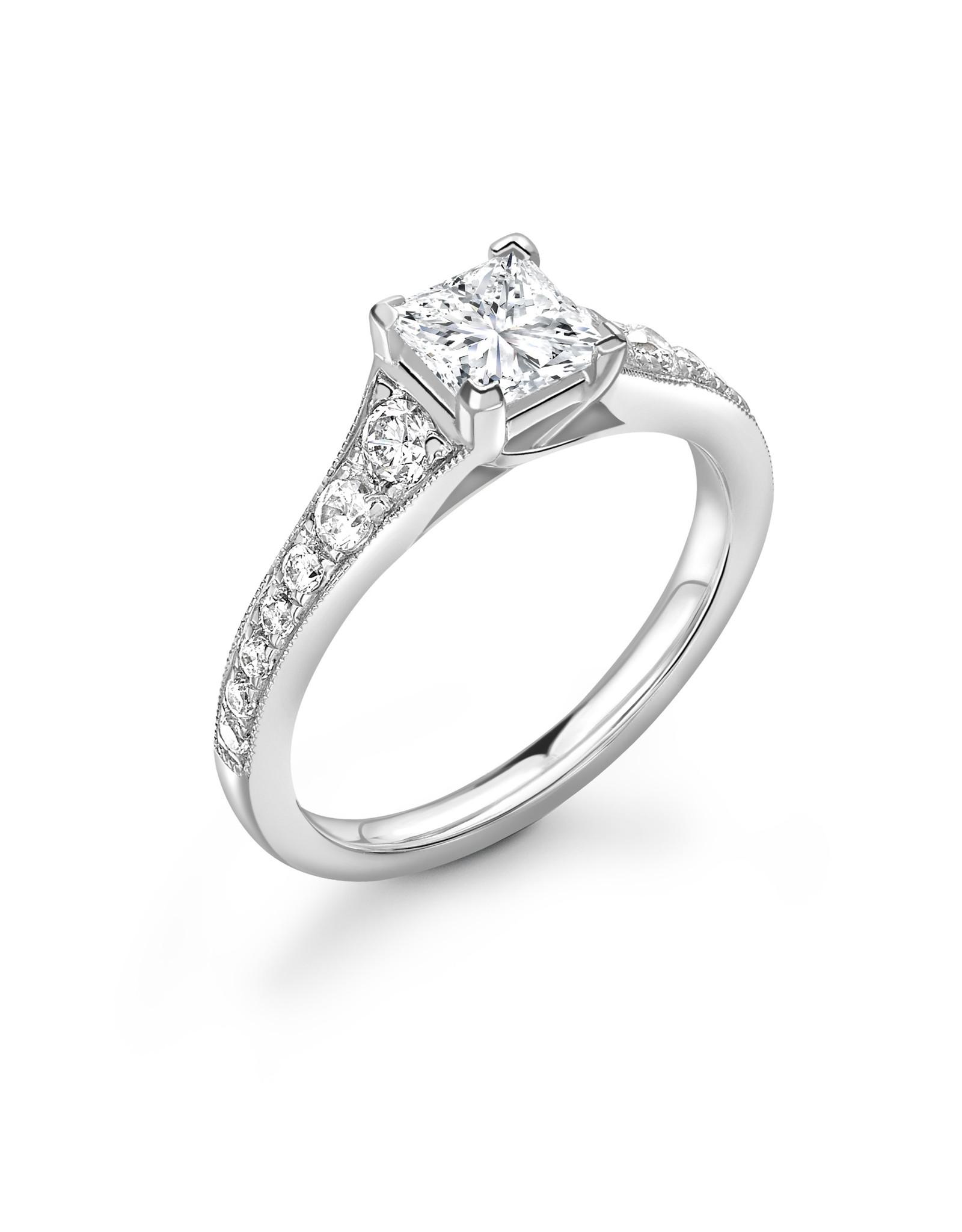 LVN Princesse Verlovingsring Met Zijsteentjes LVNRX6576