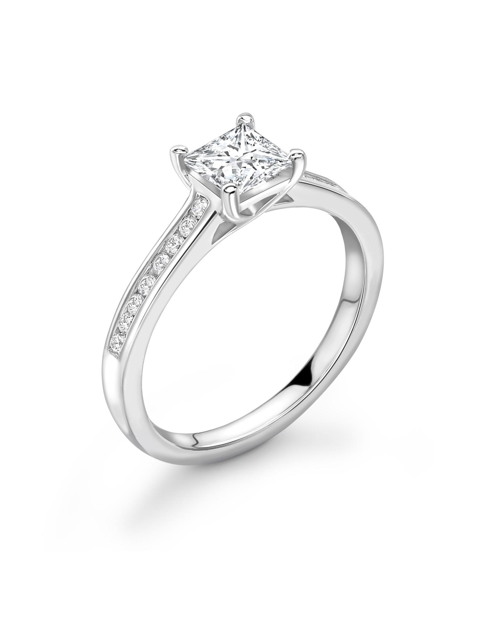 LVN Princesse Verlovingsring Met Zijsteentjes LVNRX3978