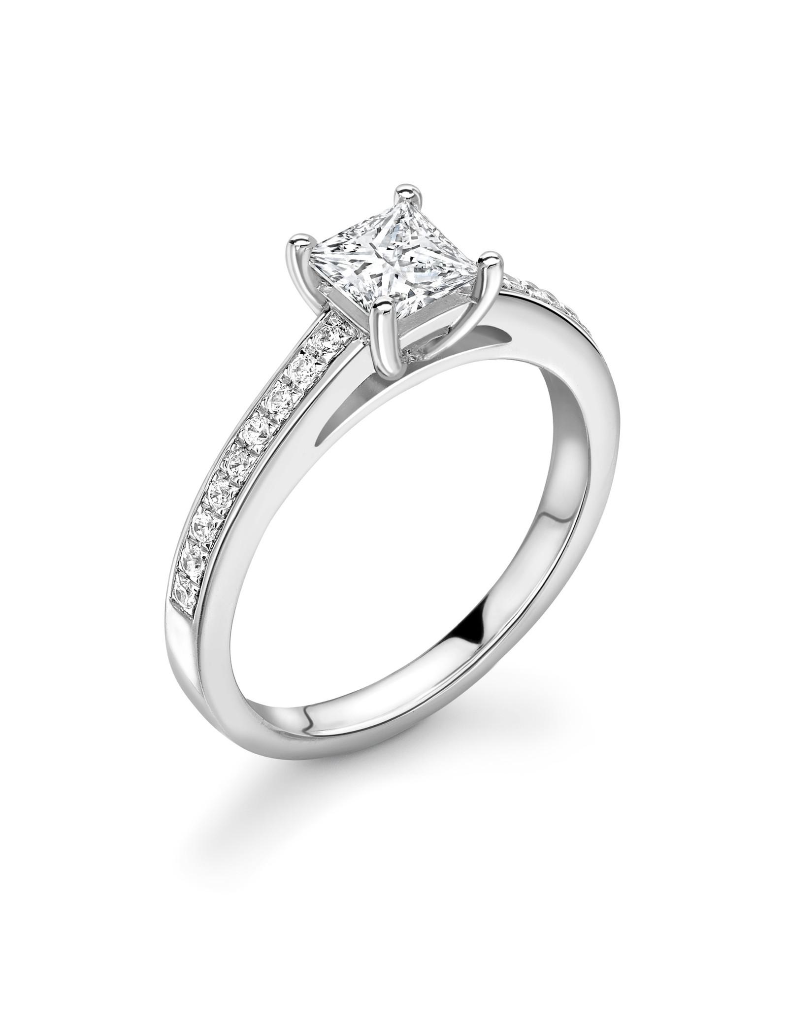 LVN Princesse Verlovingsring Met Zijsteentjes LVNRX4241s
