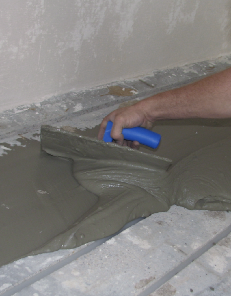 Afsmeren gleuven vloerverwarming (exclusief materiaal)