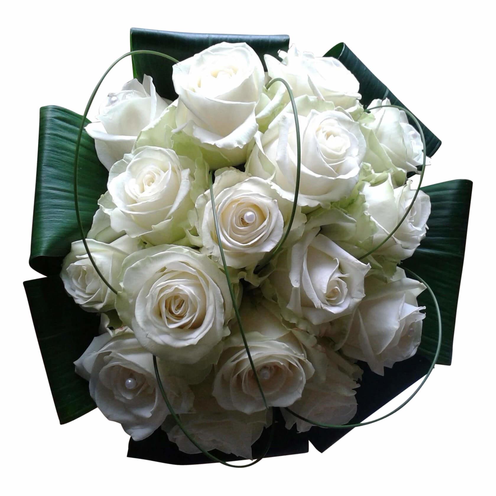 Witte rozen en speelse bogen erover
