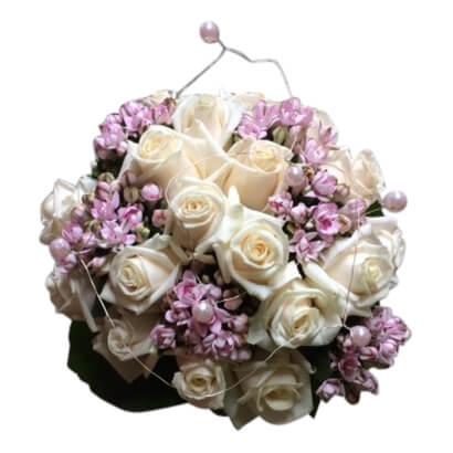 Cremé rozen en roze bloemen