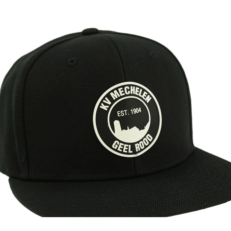 Topfanz Snap back black logo rubber patch