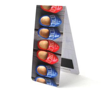 Marcador magnético, zapatos de madera rojos y azules